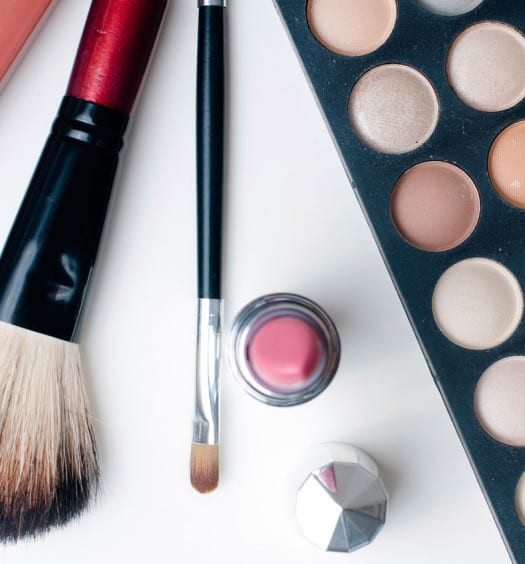 How to Choose the Best Concealer for Older Skin
