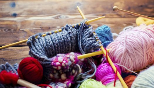 Yarns, Accessories and Knitting Patterns for Beginners – No More Excuses!