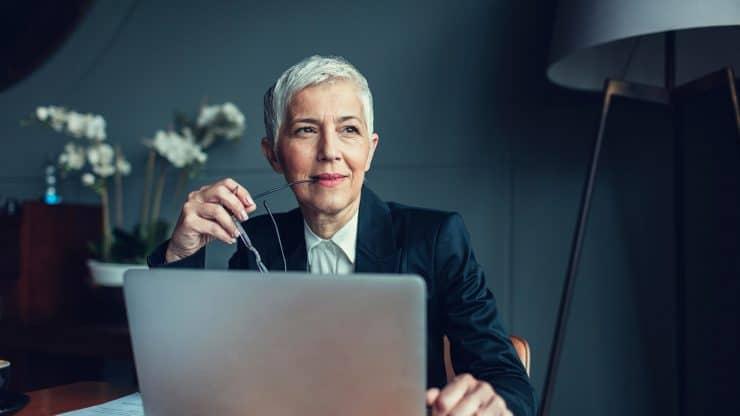senior woman business woman mentor