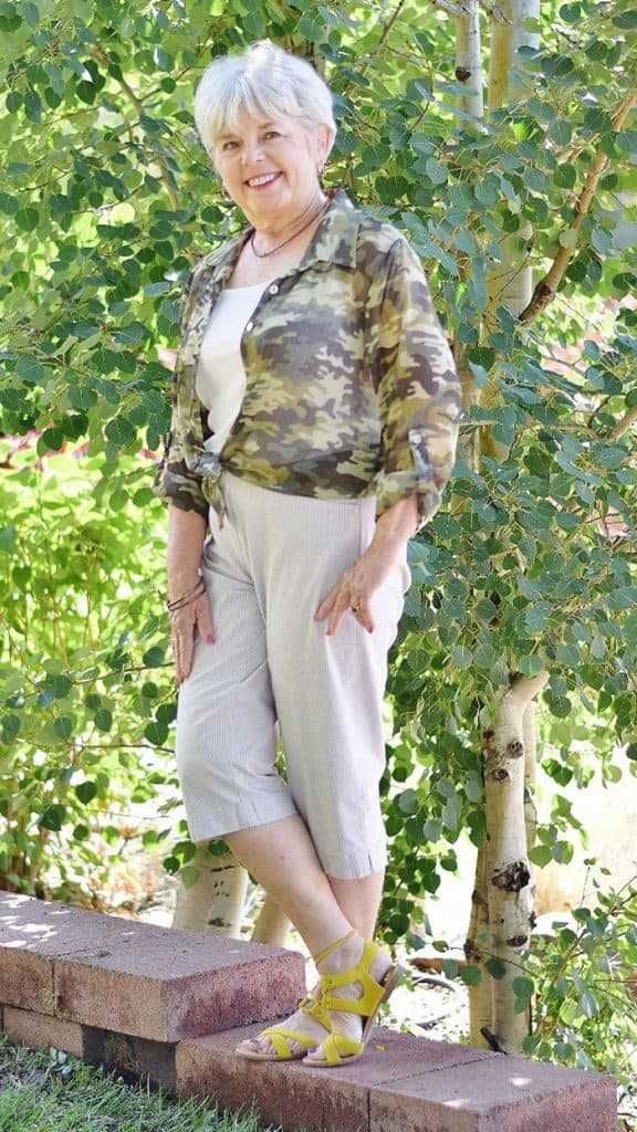 Fashion for women over 60 (29)