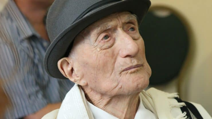 World's-Oldest-Man-and-Holocaust-Survivor-Passes-Away-at-Age-113