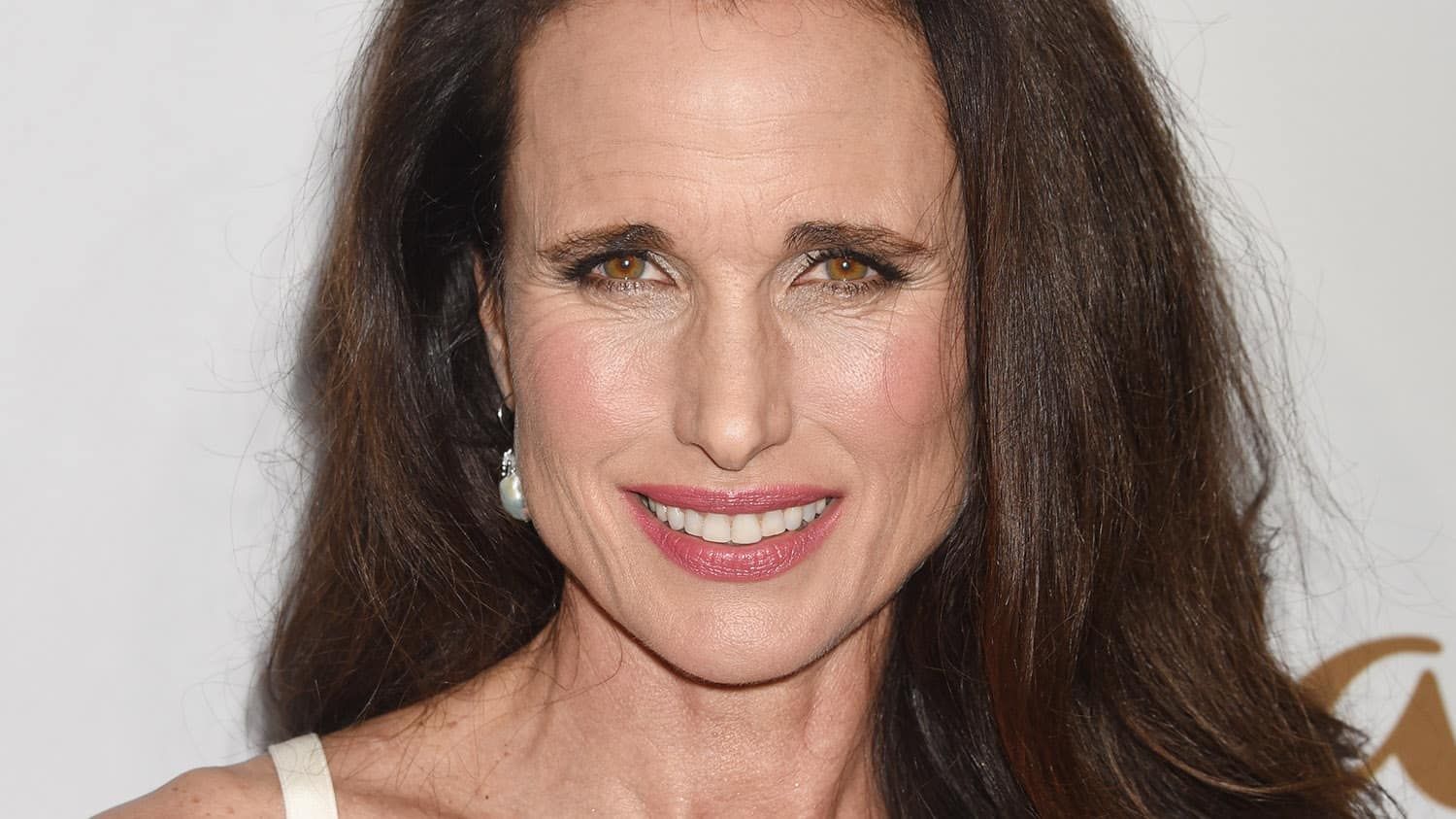 """Andie Macdowell Foto andie macdowell, 60, says """"there's no time limit on beauty"""