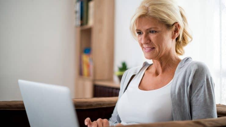 Financial-Ideas-to-Help-Aging-Women