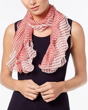 Ways to Tying a Scarf Like a Pro 2