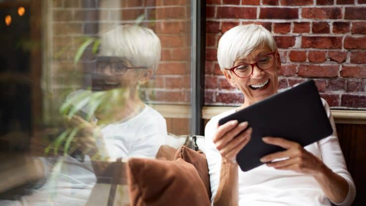 Older-Adults-Dating-Online