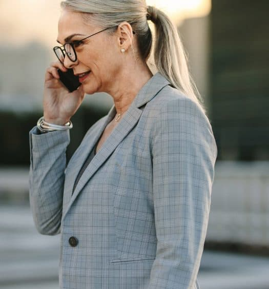 How-to-Dress-Successfully-for-a-Portfolio-Career-as-a-Boomer-Woman