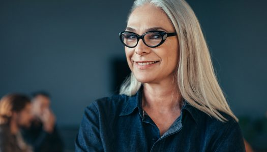 Fashion for Older Women: 5 Business Looks to Try If You Want to Stand Out