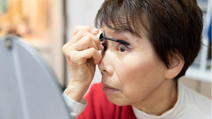 BLINK, BLINK! The Eye-Opening Facts on Lashes Thickeners, Lengtheners, False Lashes, and Extensions